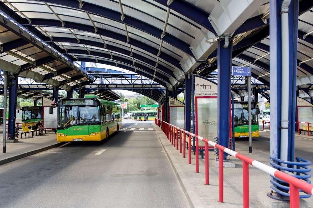 Remont nawierzchni ul. Piaśnickiej. W dniach 16-28 kwietnia autobusy linii nr 81, 92 i 232 zmienią trasy