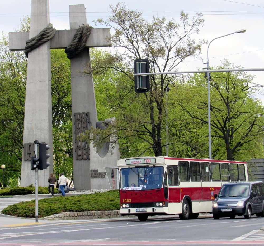 27 kwietnia rozpoczyna się sezon linii turystycznych. ZTM zachęca do wycieczki zabytkowymi pojazdami na liniach nr 0 i 100