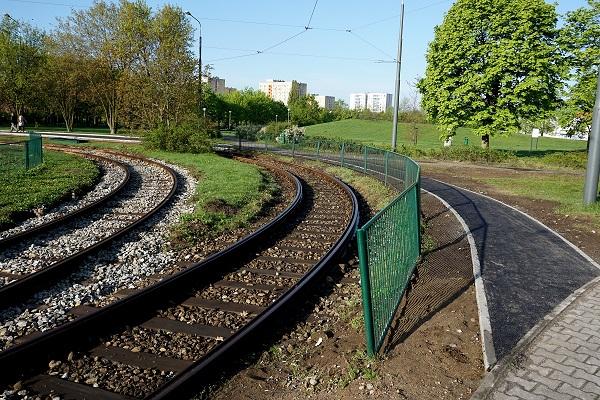 Tramwaje linii nr 4 i 10 wracają na pętlę Połabska